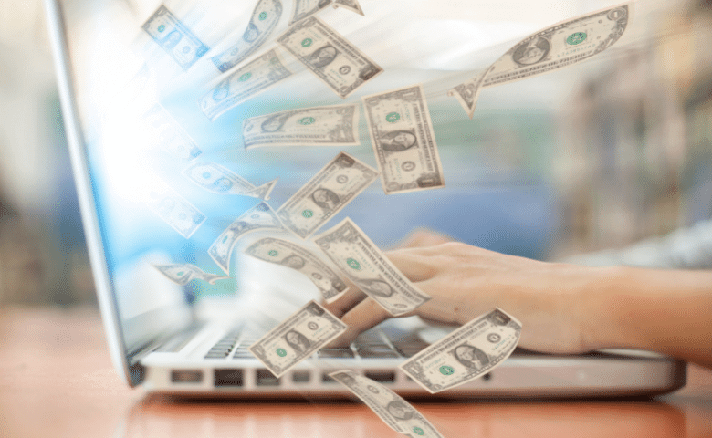 making money in online business with a laptop