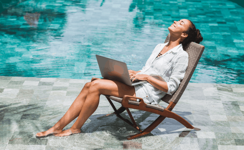 Summer-outdoor-office-by-the-pool